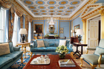 Royal_Suite_Living_Room_1_0217